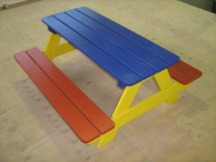 Kiddies picnic table