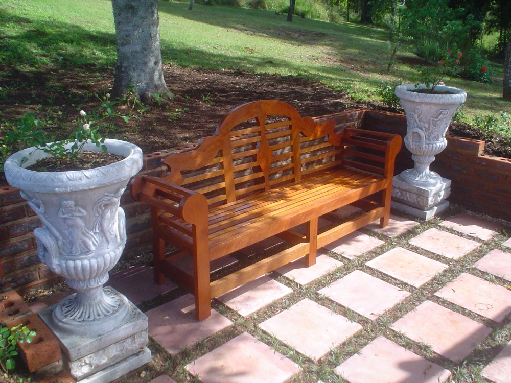 Outdoor garden furniture - Lutyens Bench