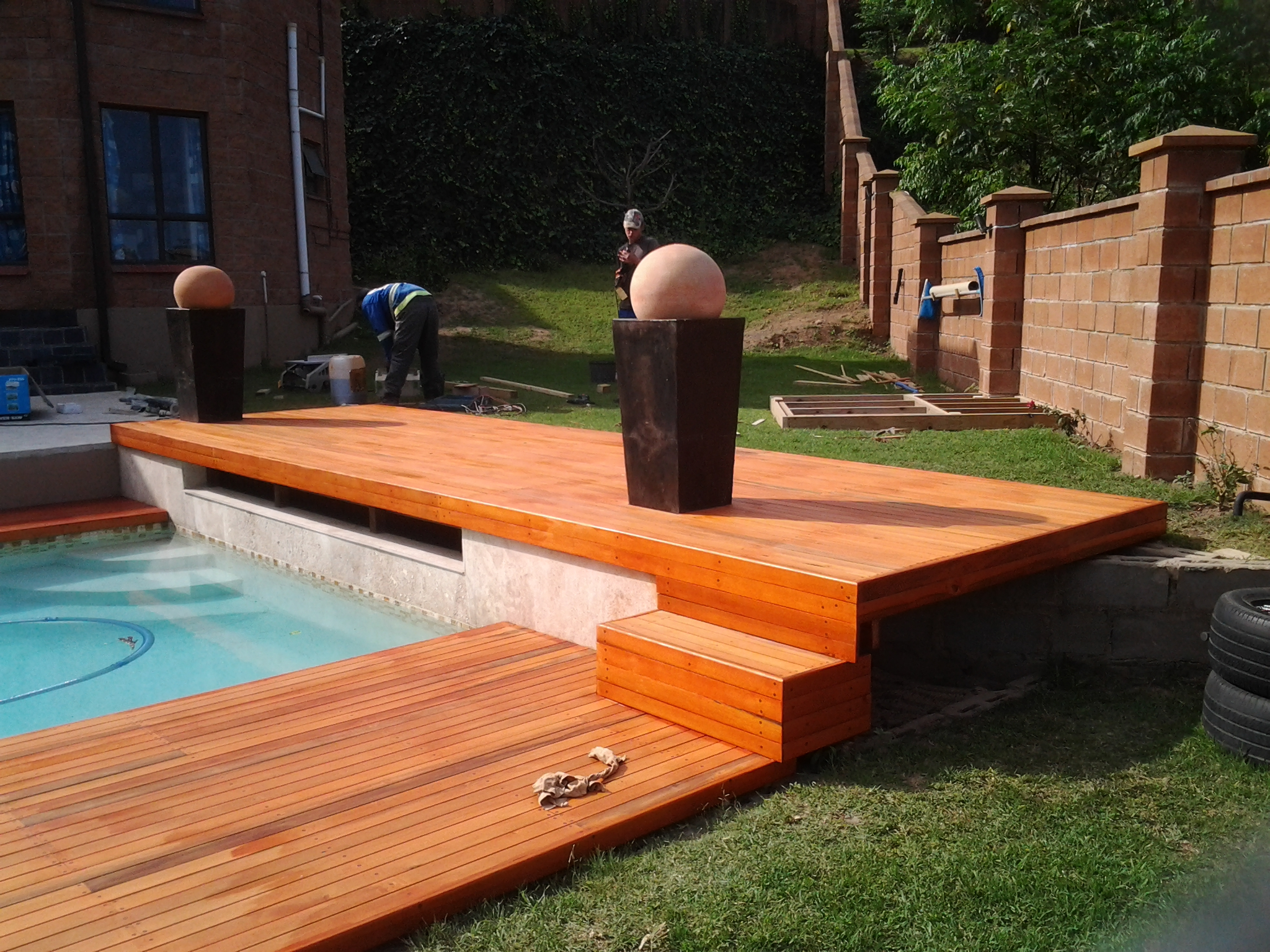 Sundecks durban the wood joint wooden decks and floors for Wood pool deck design