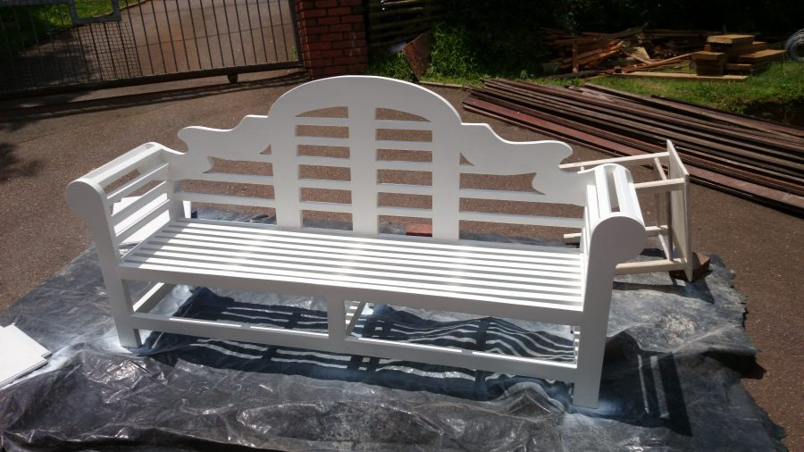 Outdoor Garden and Patio Furniture - Lutyens Bench