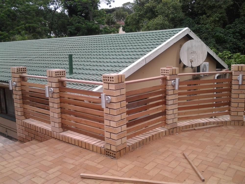 Wooden Balau Horizontal Balustrade using deck boards (2/2)