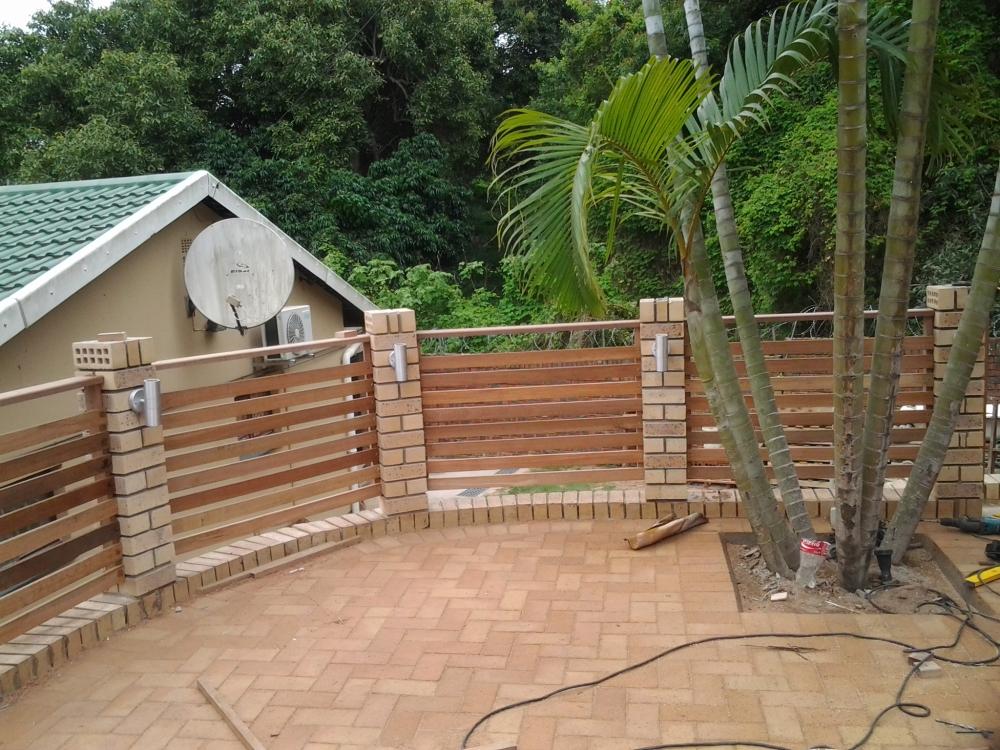 Wooden Balau Horizontal Balustrade using deck boards (1/2)