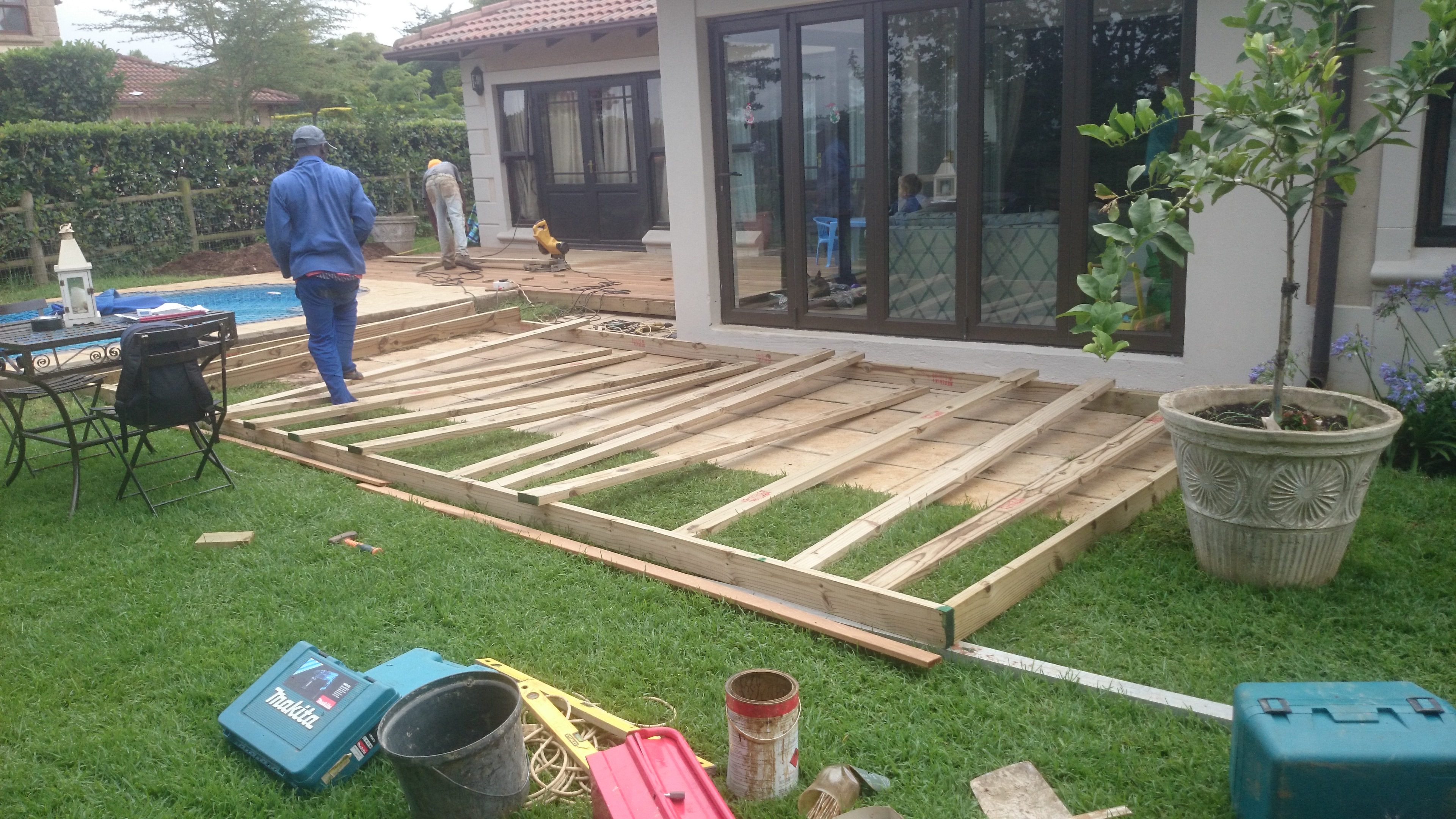 Diy timber decking in durban the wood joint for Timber deck construction